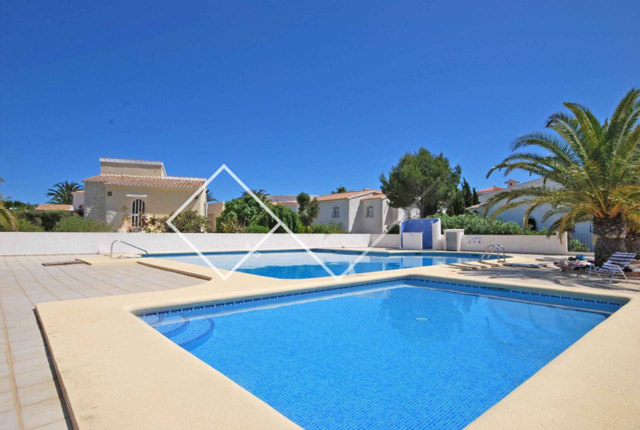 community pool - Nice villa for sale on Cumbre del Sol, Benitachell