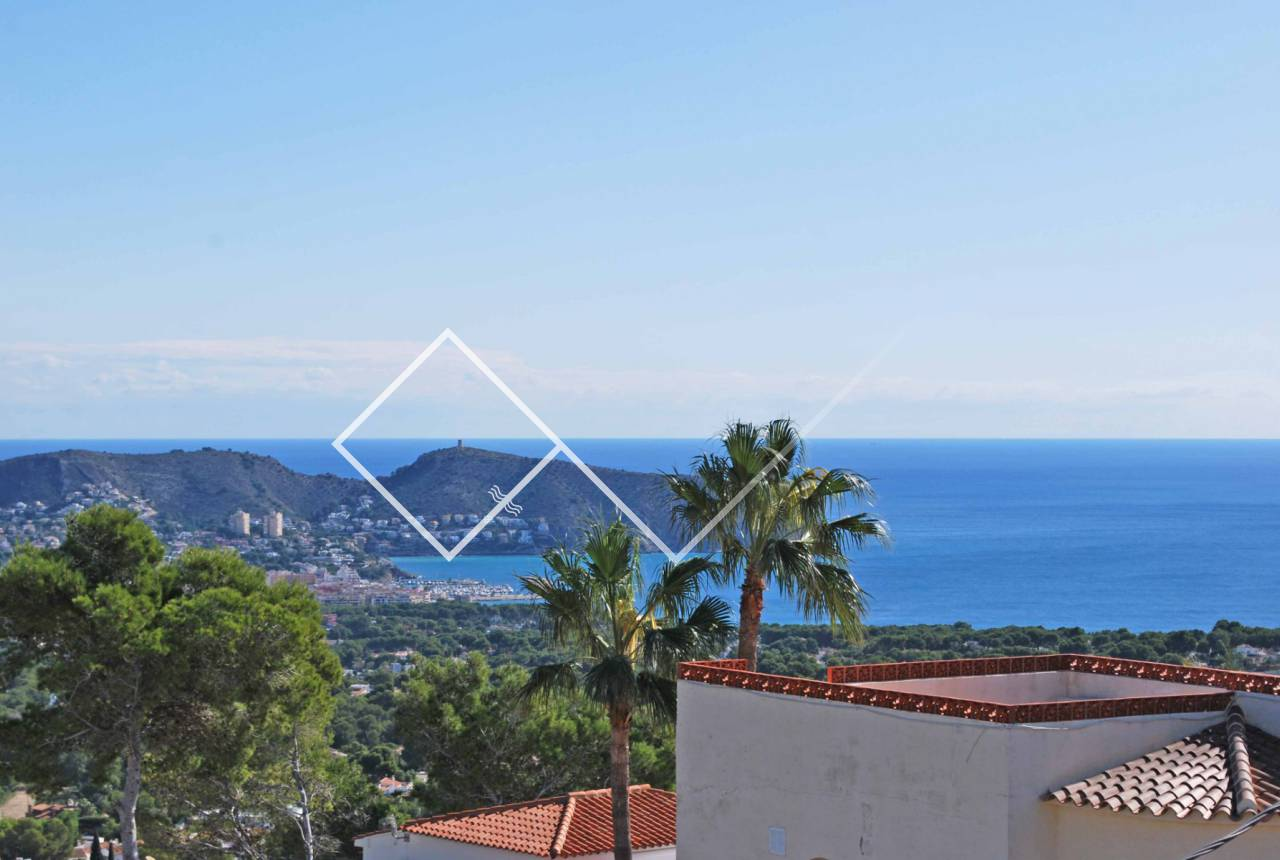 Sea View - Large Mediterranean style villa with pool for sale in Montemar, Benissa.