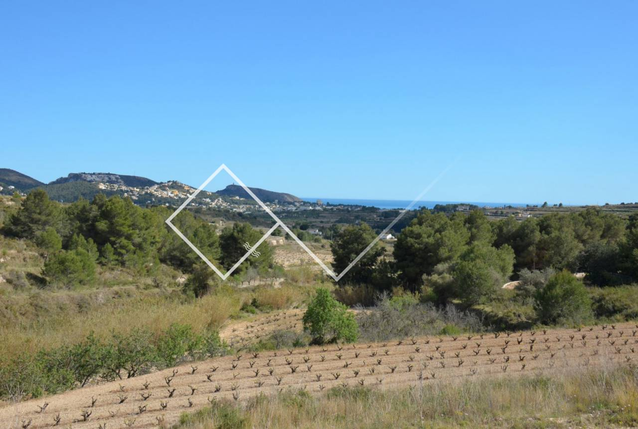 Sea view plot for sale close to Teulada