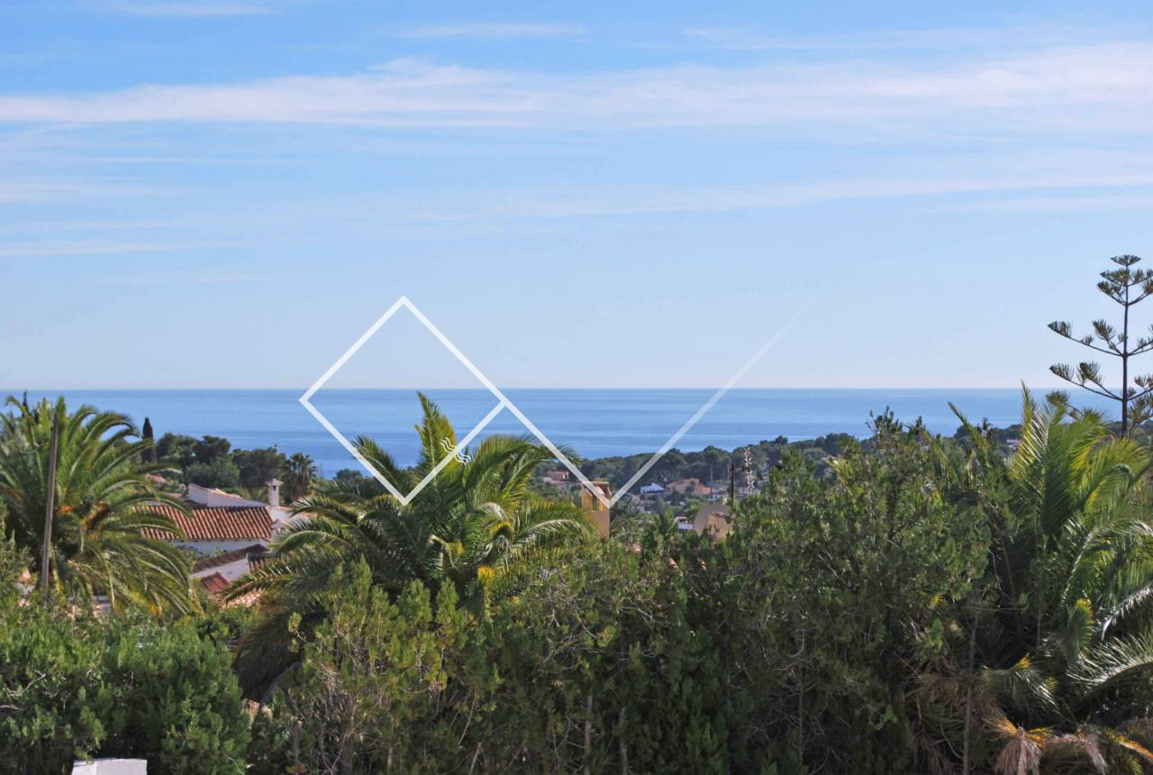 Sea views - Beautiful villa with sea view for sale in Benimeit, Moraira