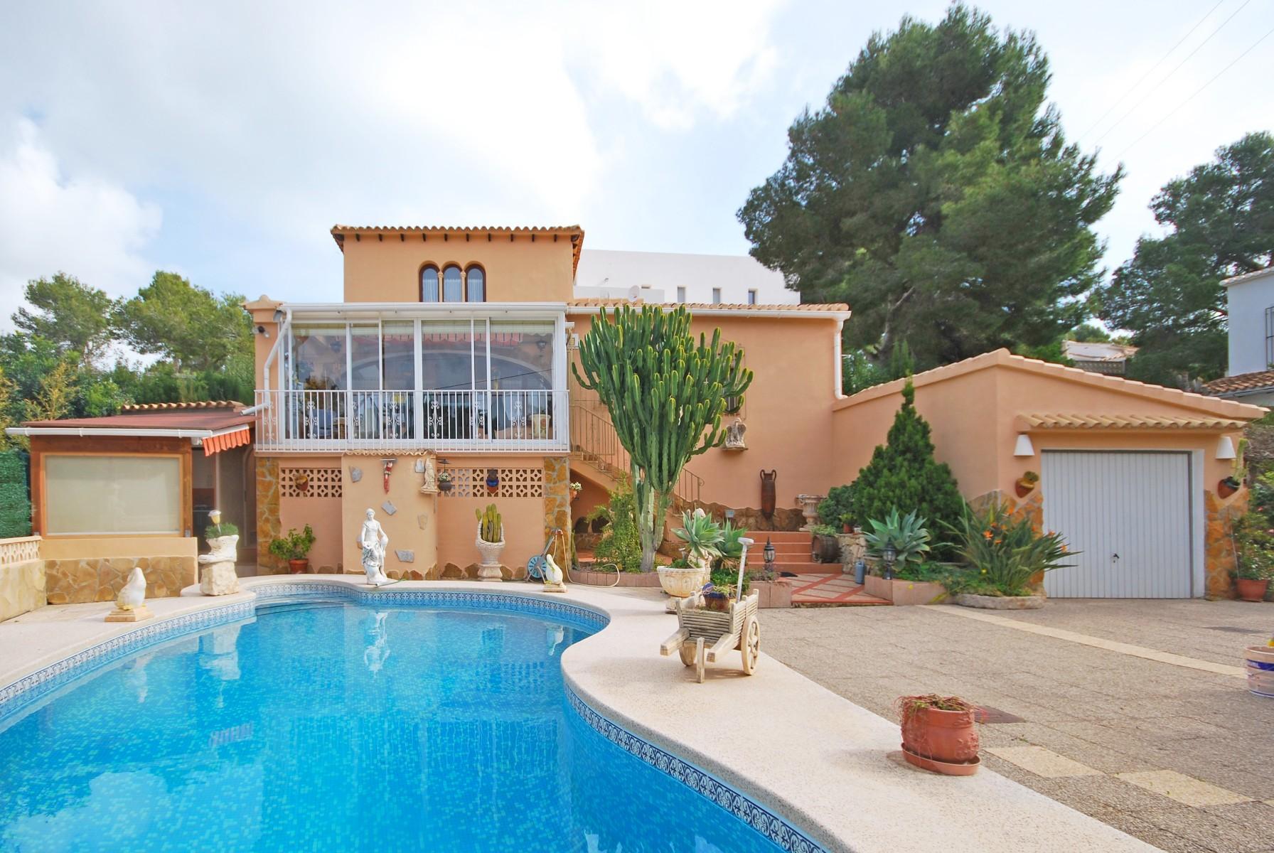 3 Schlafzimmer Villa in Moraira